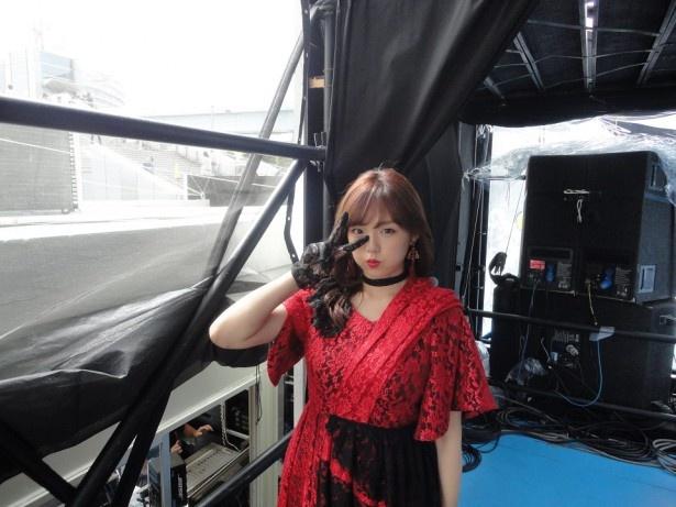 篠崎愛は「みんなの夢大陸マイナビステージ お祭りライブ!」のトップバッターを堂々と務めた
