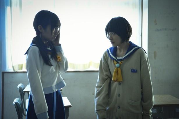 【写真を見る】前田が生駒里奈のびんたを浴びるシーン。前田は「生駒ちゃんとのシーンが結構あるので、感情のぶつかるところを見てほしい」をアピール