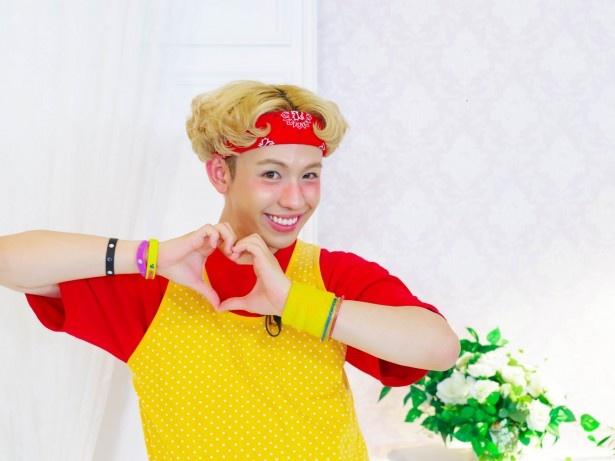 【写真を見る】新メンバーの藤田ニコルとりゅうちぇるも番組を盛り上げる!