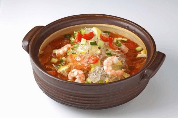 【写真を見る】「和風トマトスープ氷鍋」1人前990円(税抜)