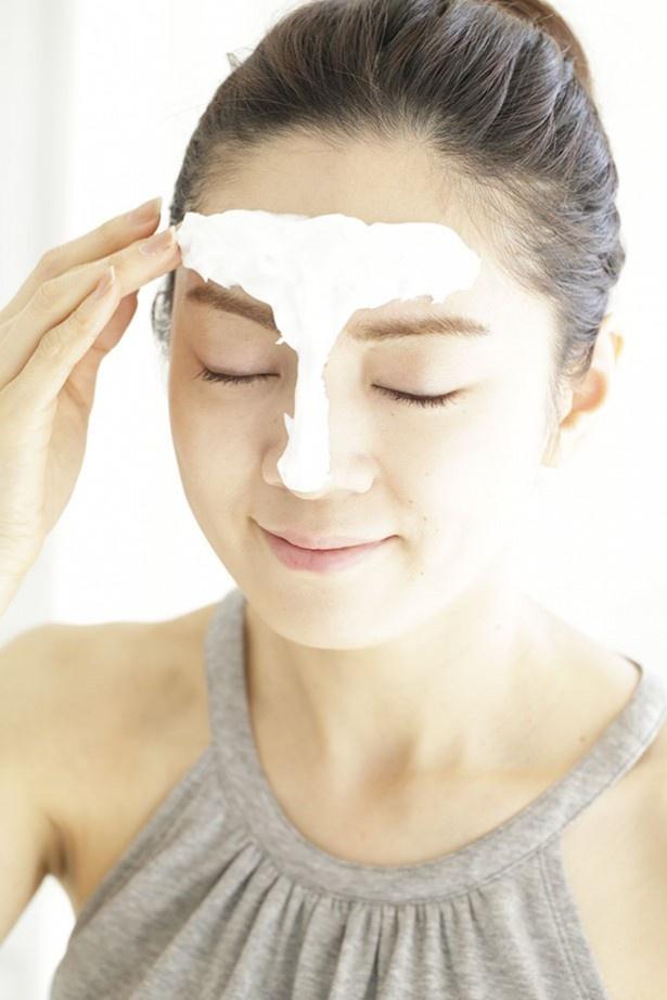 オトナの女性肌には、洗顔フォームは、Tゾーン「だけ」にのせて