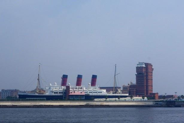 東京ディズニーシーのコロンビア号&タワーオブテラーをこの角度から見られる!
