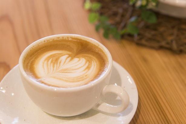 本格焙煎コーヒーや、羽後町産の食材を使ったメニューを楽しめるボンカフェ