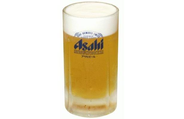 「餃子の王将」の生ビールは、400mlの「スーパードライ」(460円)。餃子との相性バツグンの生ビールは、なにはともあれ注文したい一品だ