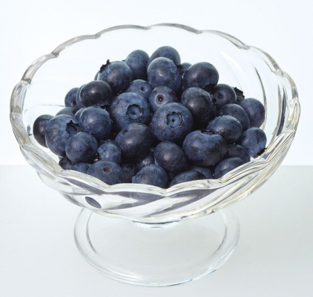新鮮なブルーベリーの味をそのまま楽しめる「フレッシュブルーベリー」(税抜329円)