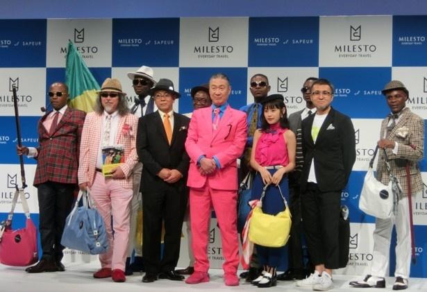 山本のスーツと高橋のトップスがピンクでおそろい!?