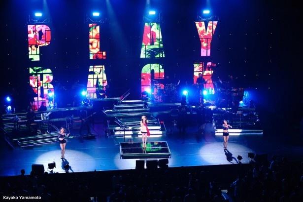 7月1日に東京国際フォーラムで開催された「JUJU HALL TOUR 2016 -WHAT YOU WANT-」のワンシーン