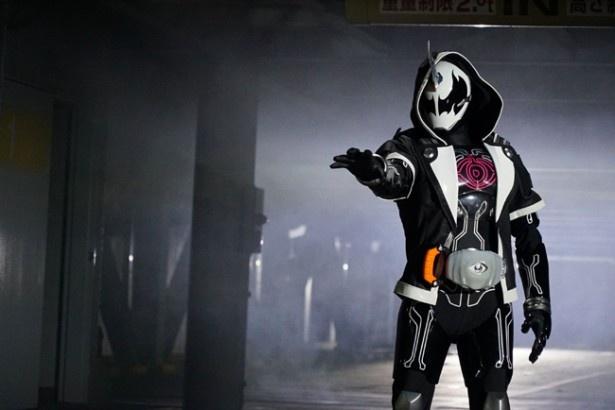 仮面ライダーゴーストそっくりの仮面ライダーダークゴースト
