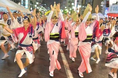 【写真を見る】都内で楽しめる本格的な阿波おどりとして、本家徳島に負けず劣らずの存在感を放つ「高円寺阿波おどり」