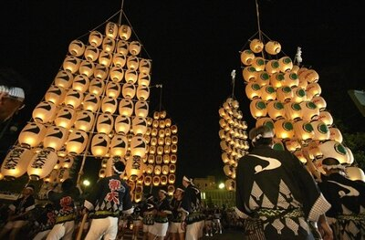 東北三大祭りの一つに挙げられる「秋田竿燈(かんとう) まつり」