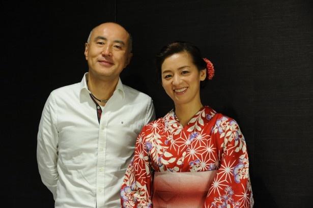 「はじめまして、愛しています。」の脚本を担当する遊川和彦と主演の尾野真千子