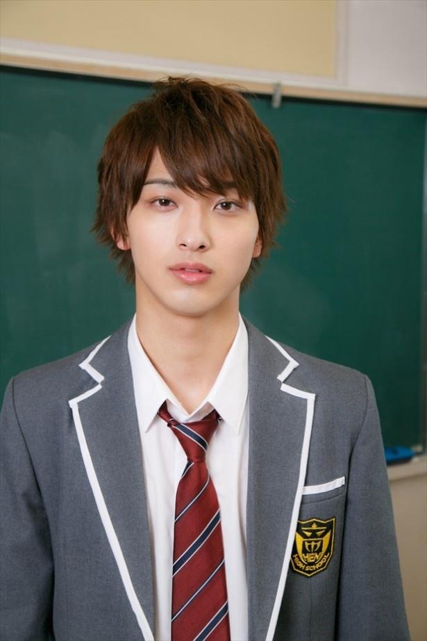 横浜流星が演じるのは、学校一の問題児・義志沢月人