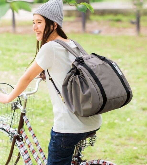 両手が空くから自転車で楽ちんな買い物ができる!