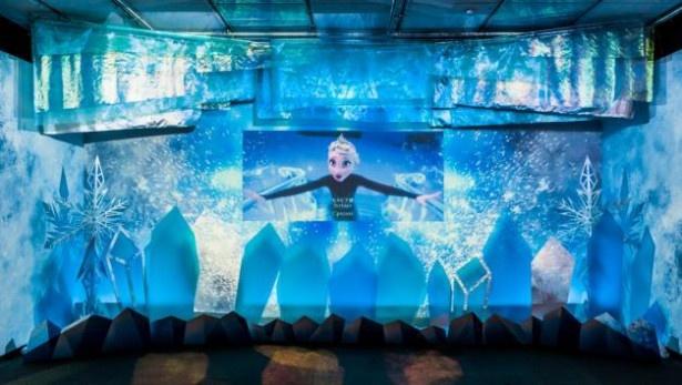 映画の感動が蘇る、アナと雪の女王の特別映像シアター
