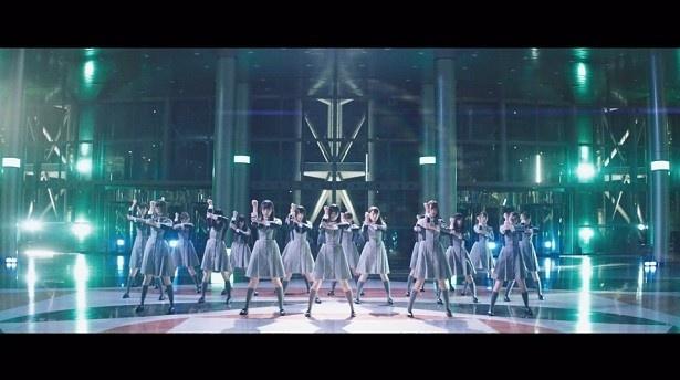 表題曲の「世界には愛しかない」Music Videoは、早くも150万回再生に迫る勢い!