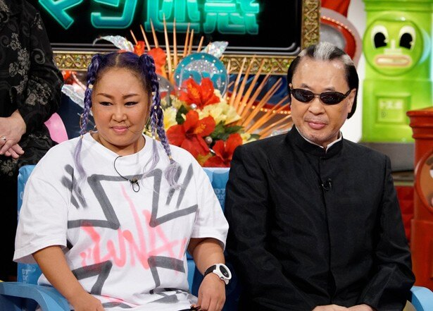 Mr.マリックと娘のLUNA。父はマジシャン、娘はラップシンガー