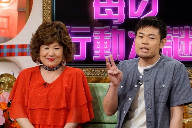 品川祐(品川庄司)が、「アメトーーク!」の『家族オカシイ芸人』で話題を集めた母・マダム路子と一緒に出演
