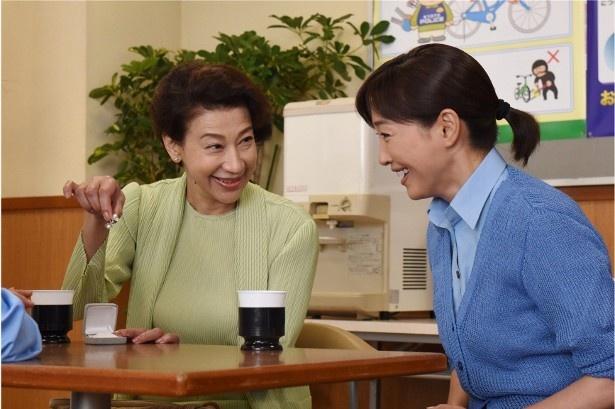 第2話には、前田美波里がゲスト出演し、和菓子職人・早苗を演じる