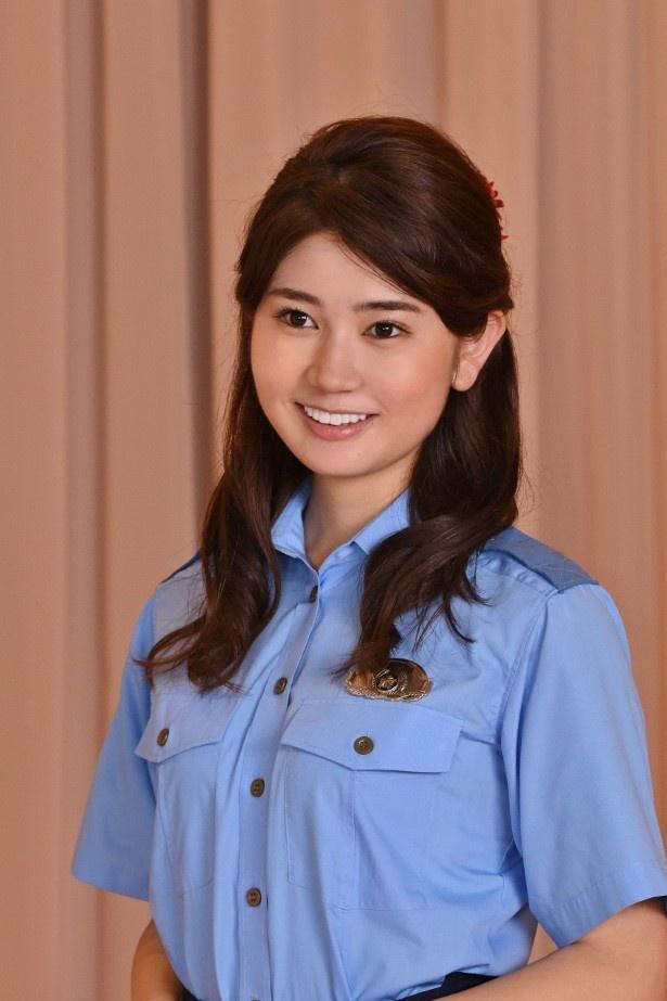 総務課勤務で、室町京子(高島礼子)の後輩・杉村伶香を演じる杉浦琴乃