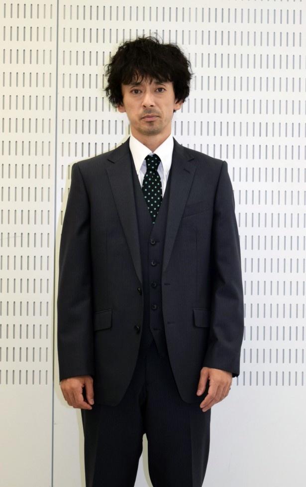 古賀について、滝藤は「冷静沈着で、エリートのようでありながら冷酷であり、脅迫じみていて、そして機械的でもある」と分析
