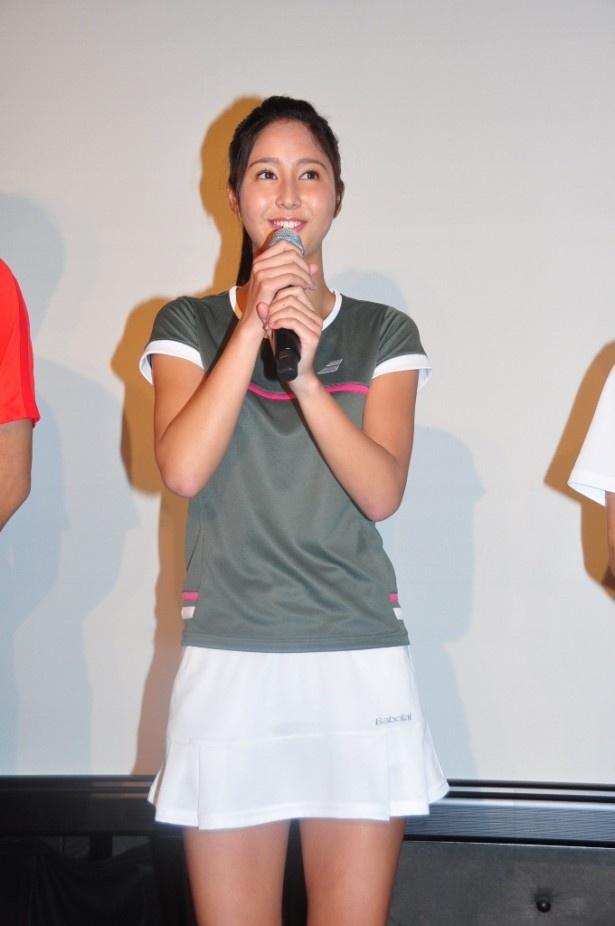 本作が初ドラマ出演となる季葉。明るい性格で人気者の女子高生・奈津を演じる