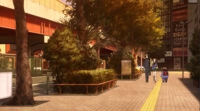 ハルユキが幼なじみのタクム、チユリと帰宅するシーンで「高円寺陸橋交差点」の周辺が描かれている
