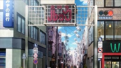 「高円寺ルック商店街」の印象的な看板をはじめ、街並みがほぼそのまま描かれている