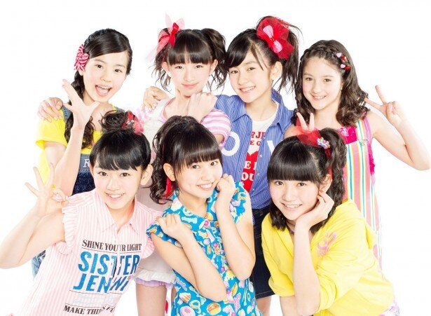 デビューシングル「虹色スマイル」は元気で明るい夏にぴったりのナンバー