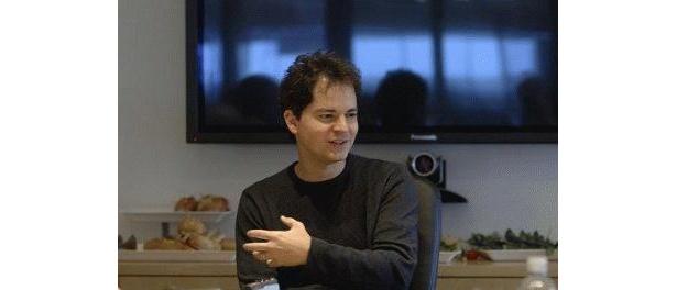 とっても童顔だけど、今40才。スタジオ「ブルー・スカイ」で22歳からずっと働いている