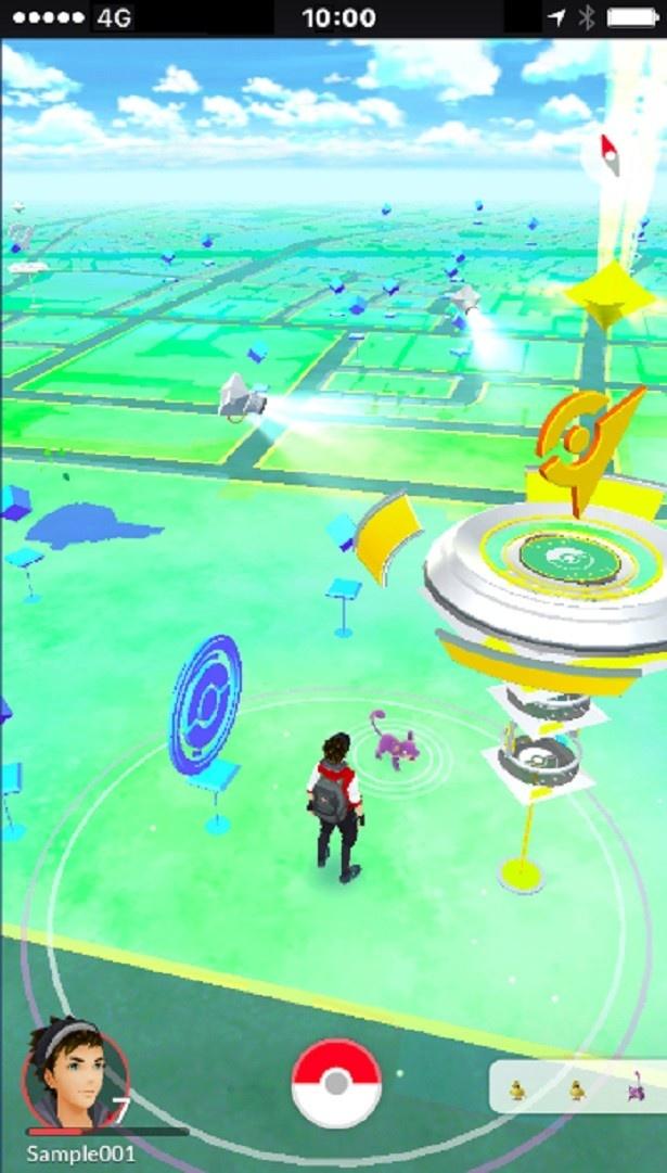 【写真を見る】スマートフォンの位置情報を活用し、プレイヤーの位置情報とゲーム内の位置情報が連動する