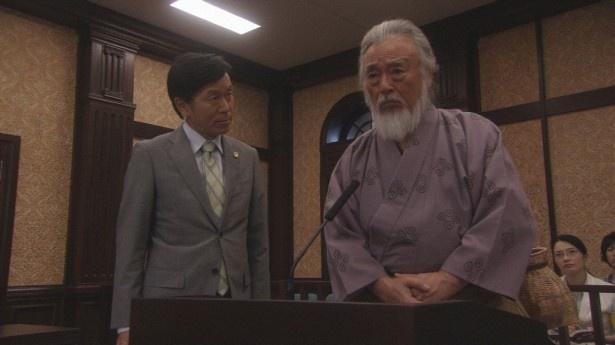5日(金)放送回は「浦島太郎」。被害者の浦島太郎と弁護人(平田満)