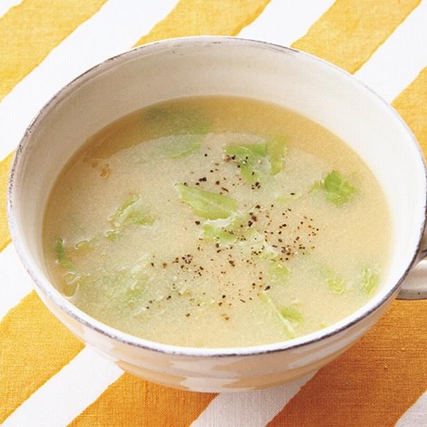 コーン缶の甘みを生かしてシンプルに。「キャベツ入りコーンスープ」