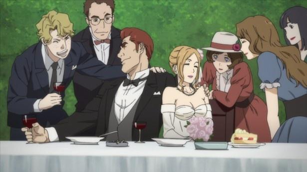 【写真を見る】第2話では、ドン・ヴィンセントの屋敷が娘のフィオとロナルドの結婚式が行われる
