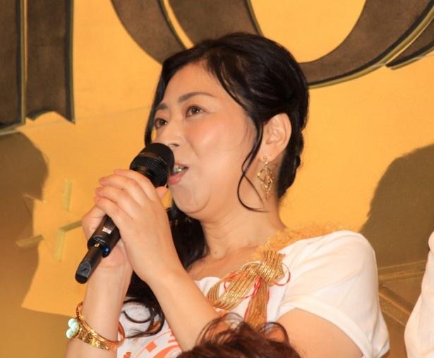 『ONE PIECE FILM GOLD』の初日舞台挨拶に登場した岡村明美