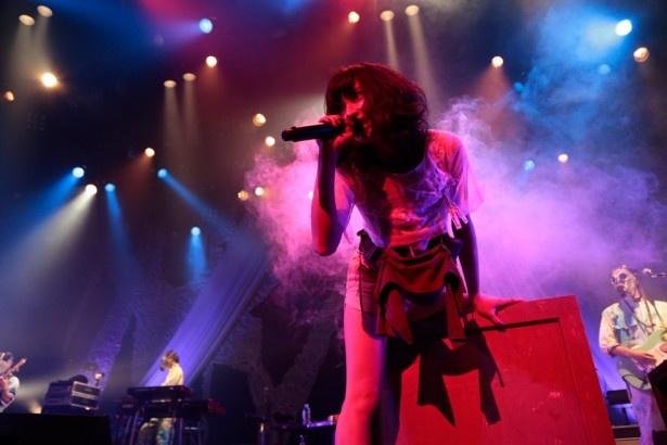 植田真梨恵が東京・赤坂BLITZでスペシャルライブを行った