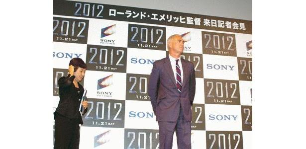 お正月の超話題作『2012』のフッテージ上映会で来日したエメリッヒ監督