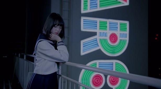 """渋谷PARCOに再び会うその日までに、平手が""""私は大人になる""""という決意の楽曲でもある"""
