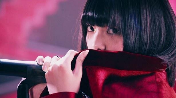 表題曲の「世界には愛しかない」は土曜ドラマ24「徳山大五郎を誰が殺したか?」の主題歌!