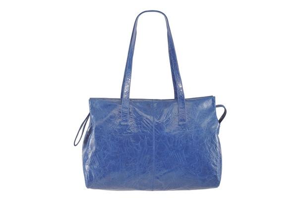 発色が美しいパンチングレザーバッグ(36,750円)〜ディーゼル