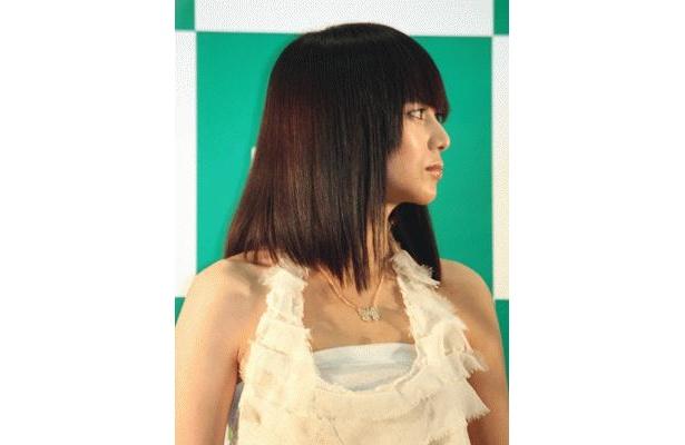 横顔もクールな柴咲さんは、オーラもさすが!