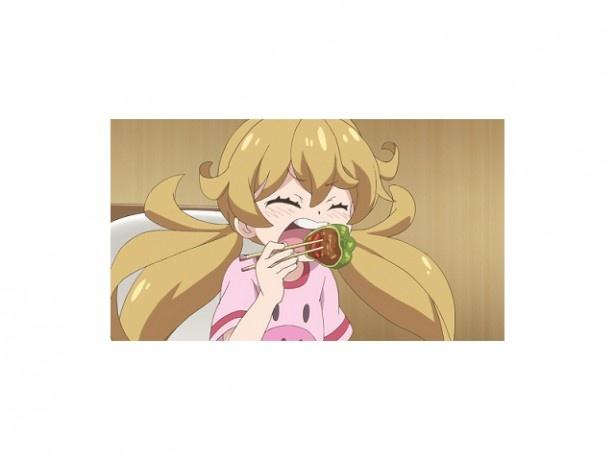 【写真を見る】第4話では、つむぎのピーマン嫌いが判明。小鳥に相談した犬塚は、いろいろな野菜を使ったグラタンを作ることに。すると、つむぎは楽しそうに手伝いを始める