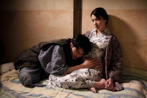 夫の上司を好きになってしまう園子を演じた村川絵梨