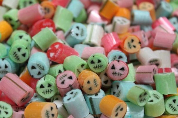 【写真を見る】パパブブレにハロウィン柄のキャンディが登場!