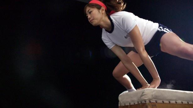 稲村亜美が障害物競走にチャレンジ