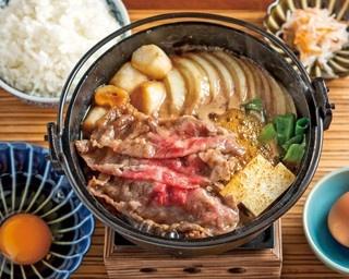 京野菜を使った、彩り豊かな具材の数々が並ぶ「手織り寿し」(並1680円)/AWOMB