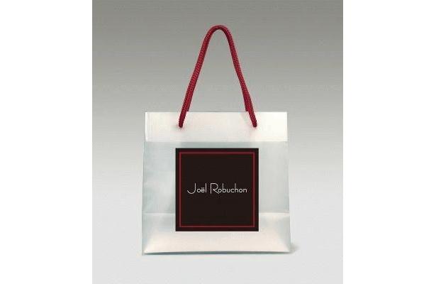 2個以上購入の際の専用バッグも超オシャレ!※一部取扱のない店舗あり
