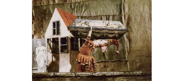『棺の家』ピエロのモルモット騒動