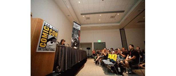 会見には全米中から熱狂的な「TETSUO」ファンが集結