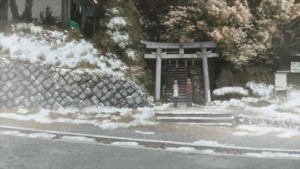 香織を家に送っていく途中に、二人は神社に立ち寄る(「桜ヶ丘山神社」)