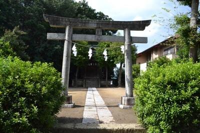 いろは坂の途中にある「金毘羅宮」。鎌倉時代、「金毘羅宮」を中心にしたこの周辺には「関戸城」とも呼ばれた砦の天守台があったとされる